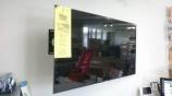 スイーベル金具 SU-WL820 を使って KJ-55X9000E を壁掛け展示開始!